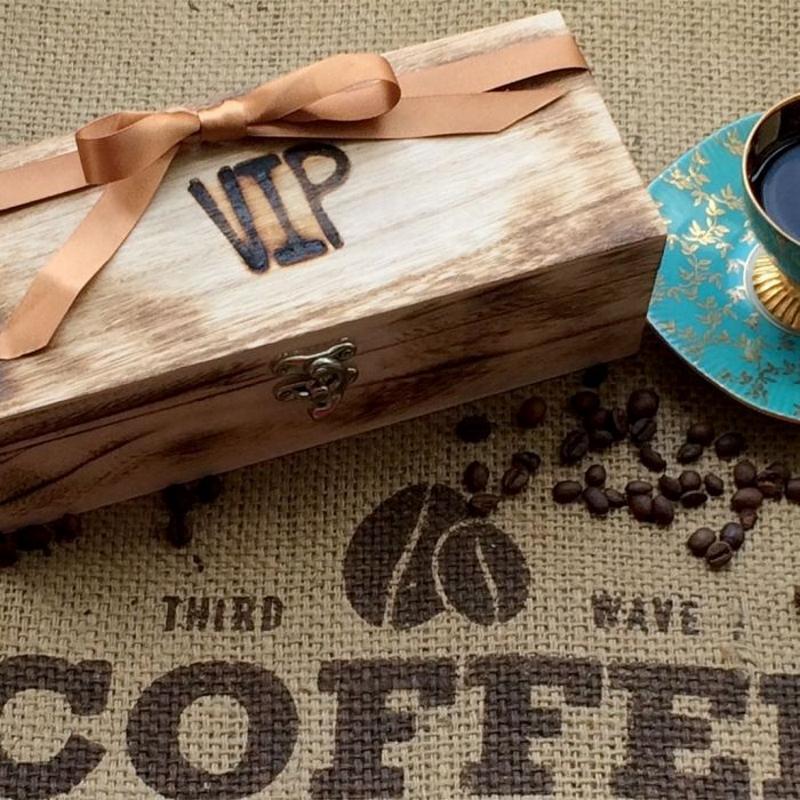 Кофе в деревянной подарочной упаковке